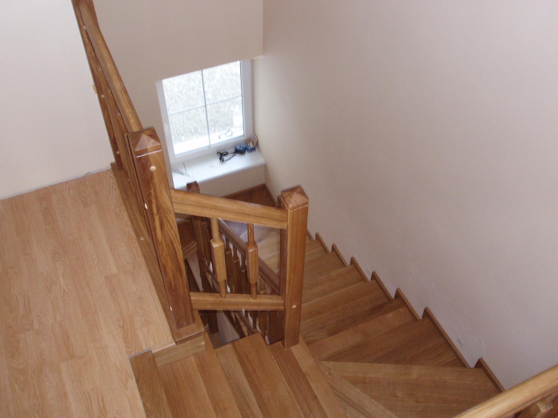 Dřevěný obklad schodiště na zakázku Kostelec na Hané - 3