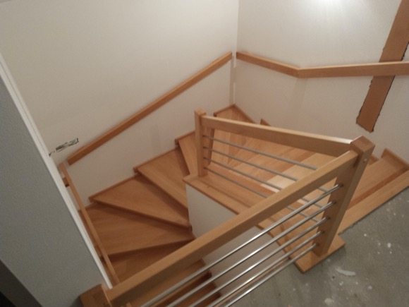 Dřevěný obklad schodiště na zakázku Mladá Vožice - 1