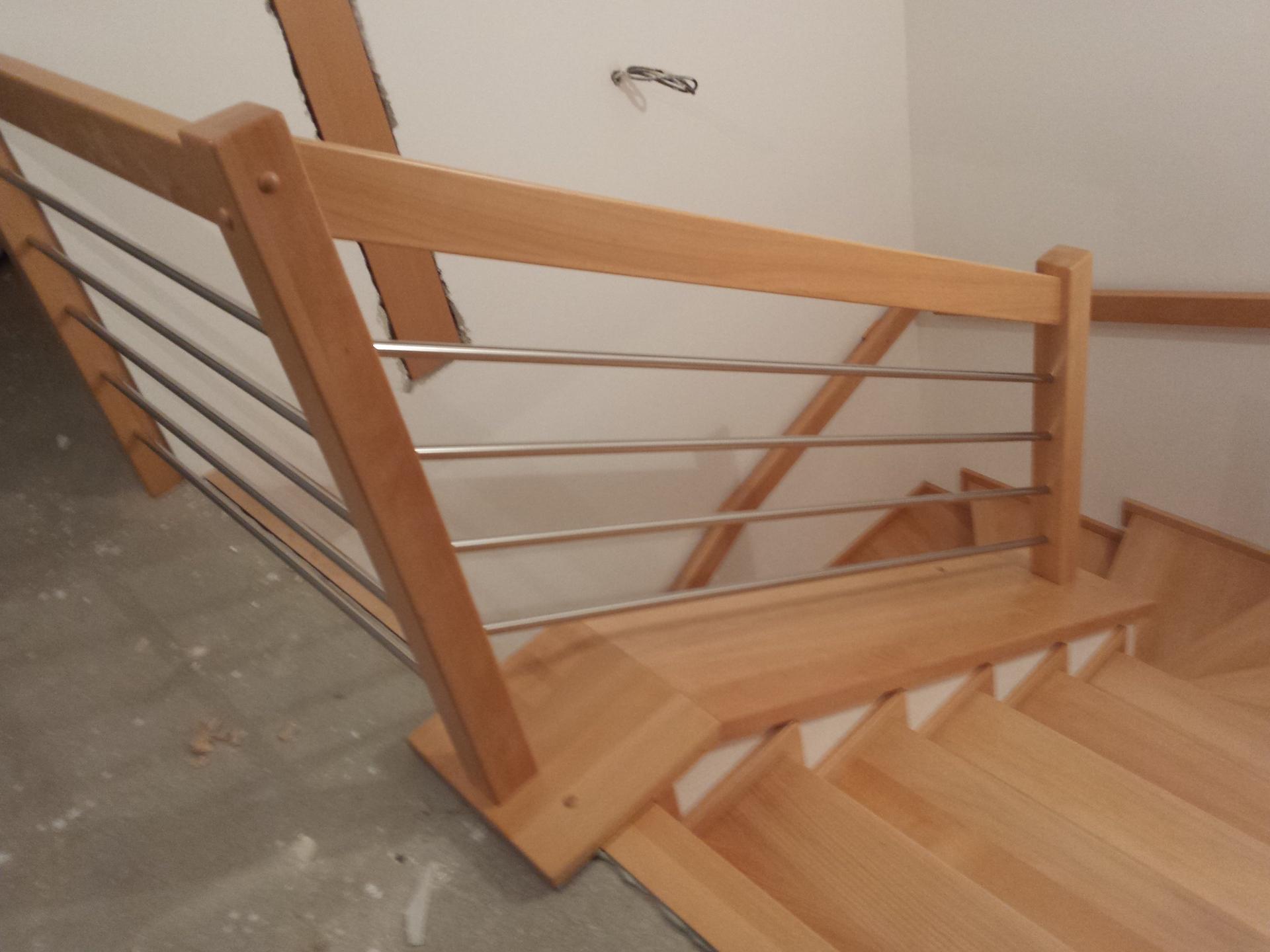 Dřevěný obklad schodiště na zakázku Mladá Vožice - 3