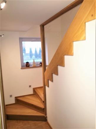 Dřevěný obklad schodiště na zakázku Ostrava - 1
