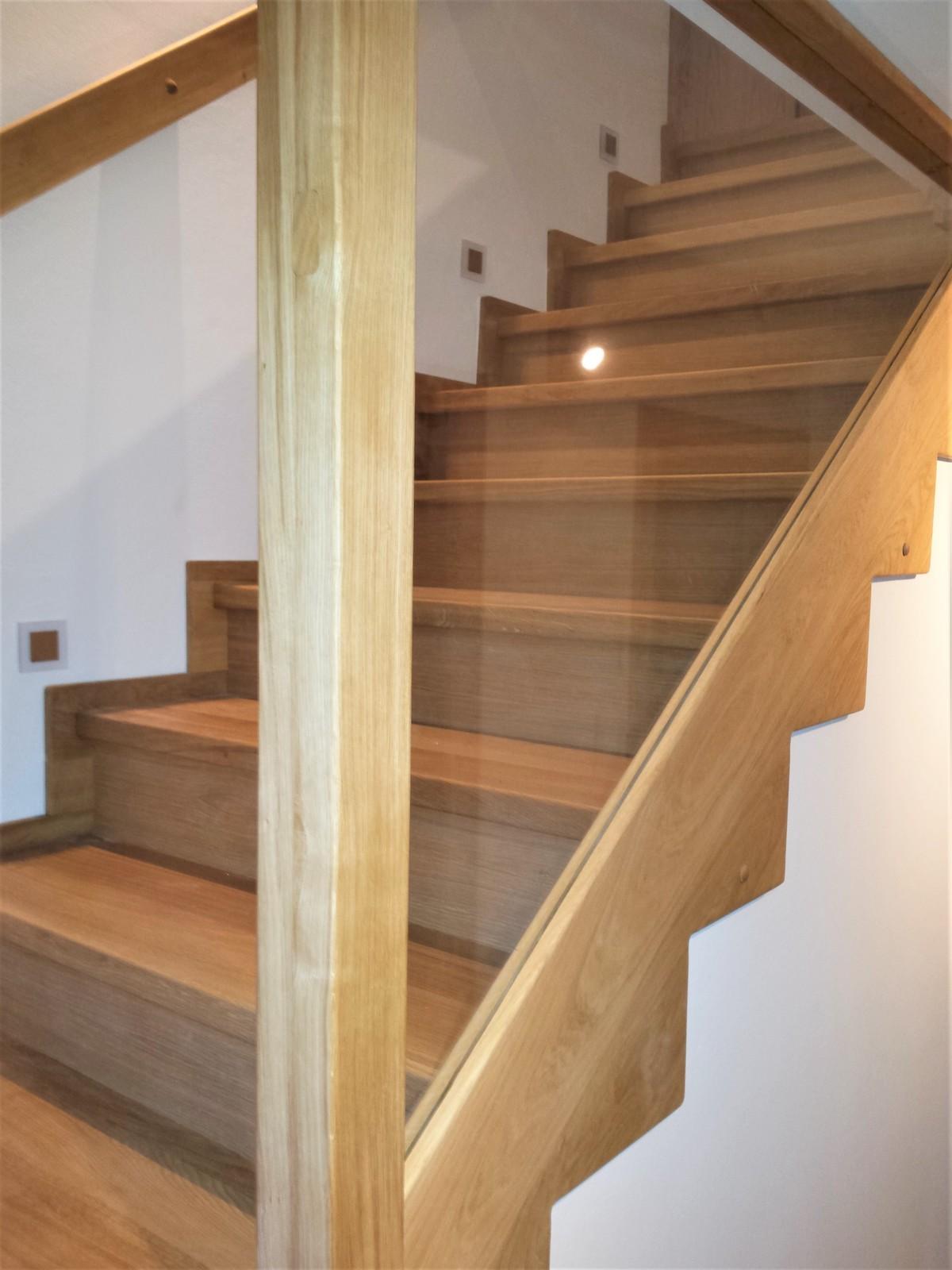 Dřevěný obklad schodiště na zakázku Ostrava - 3