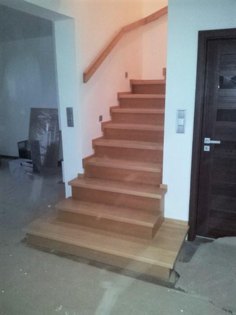Dřevěný obklad schodiště na zakázku Ostravice - 2