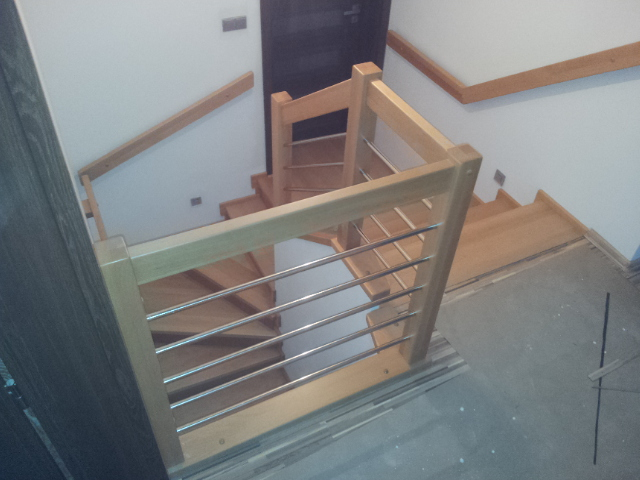 Dřevěný obklad schodiště na zakázku Ostravice - 4