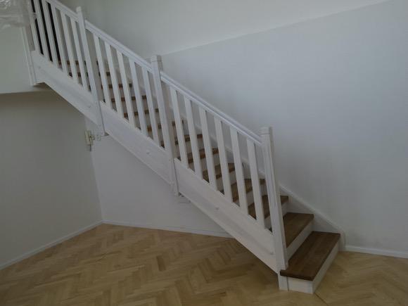 Rovnoramenné schodiště na zakázku Brno - 1