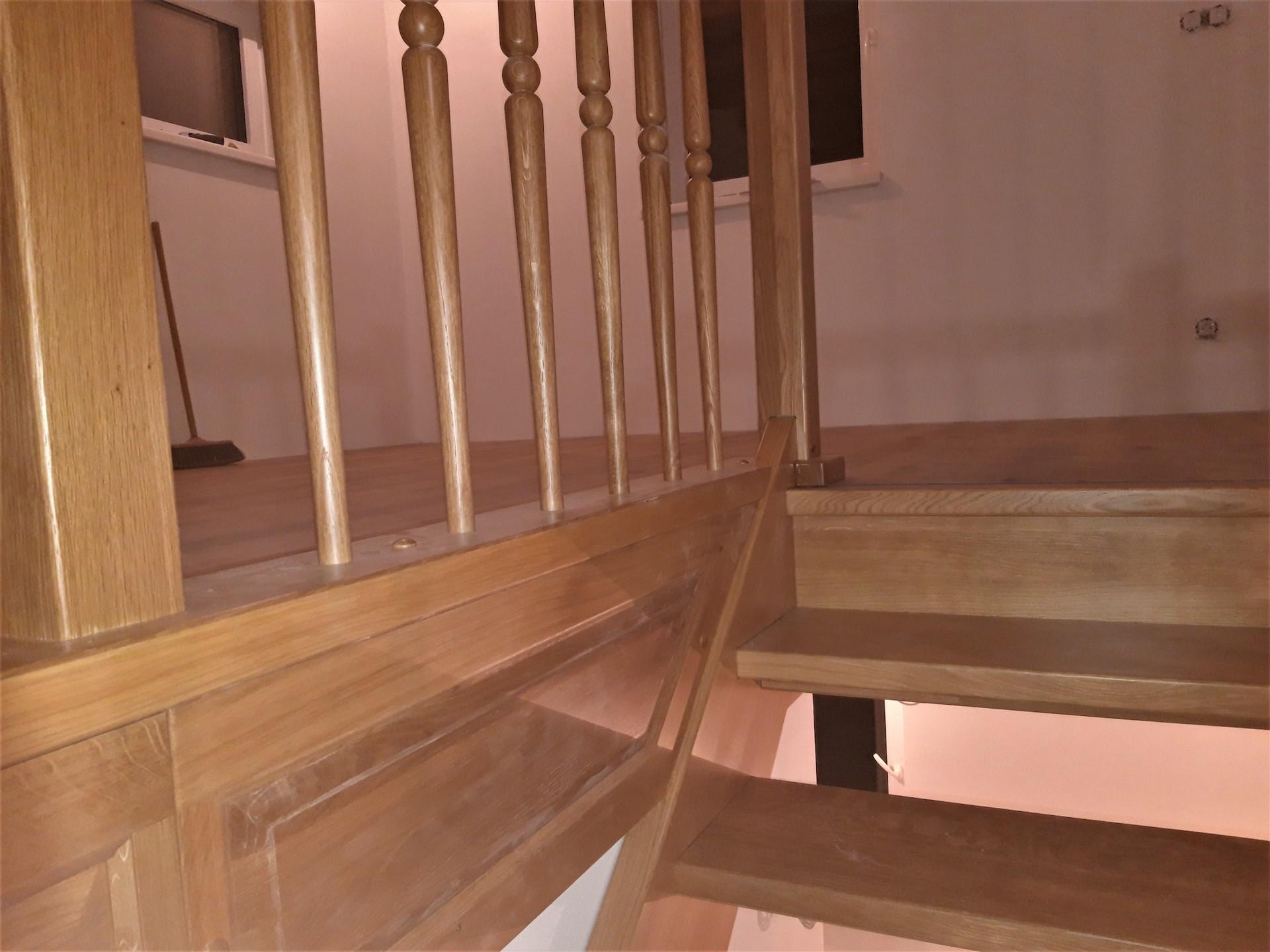 Rovnoramenné schodiště na zakázku Veleň - 6