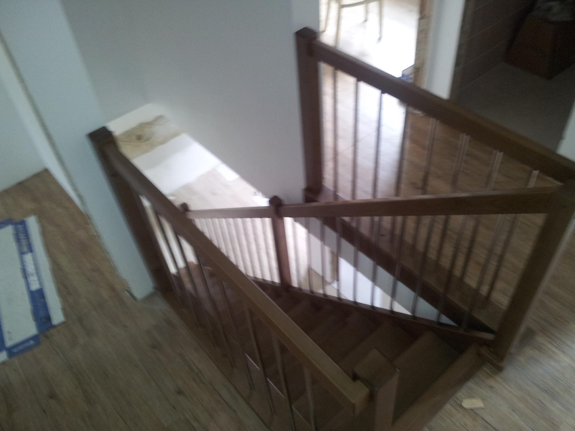 Rovnoramenné schodiště na zakázku Velký Týnec - 2